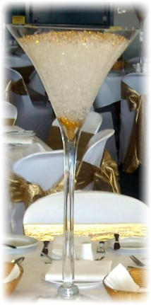 CR.1  Giant Martini Glass Table Centre